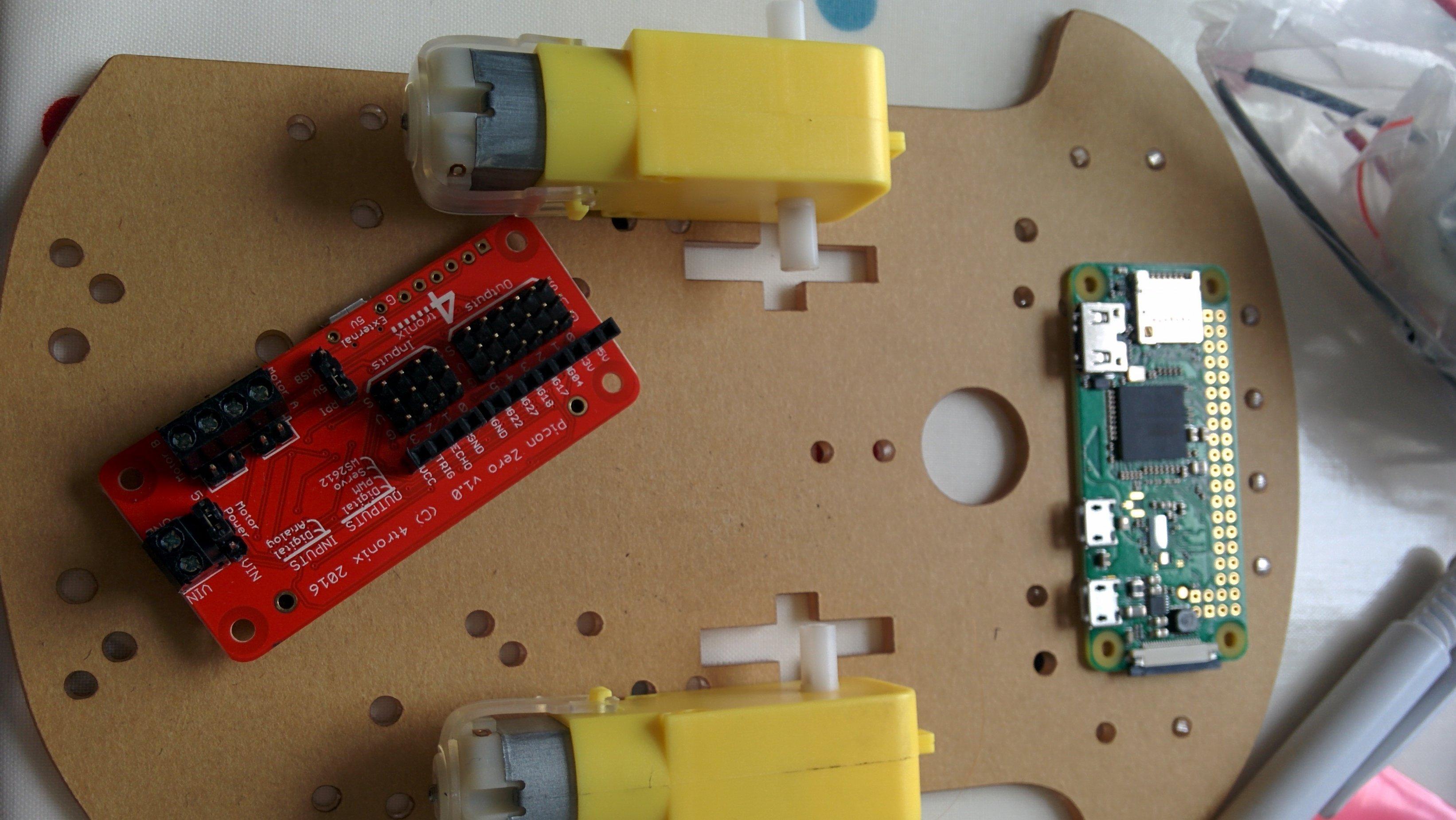 Building a robot using the new Raspberry Pi Zero W - JPoser/Blog
